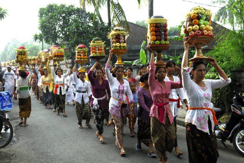 Tähistame võitu hea kurja üle Bali at Galungan