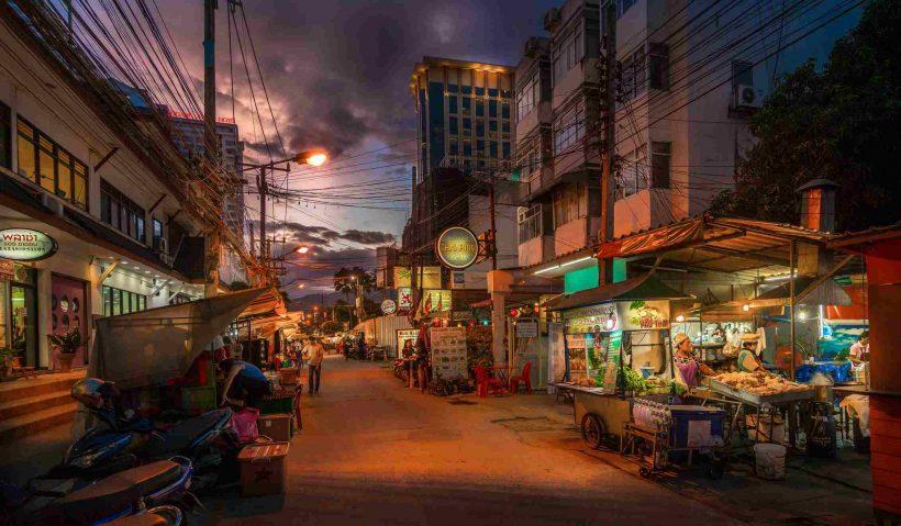 Komme fra Chiang Mai til Bangkok - Velge flybilletter, tog og nattbusser til Bangkok