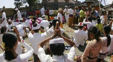 celebration-amid-tragedy-in-bali-55852987