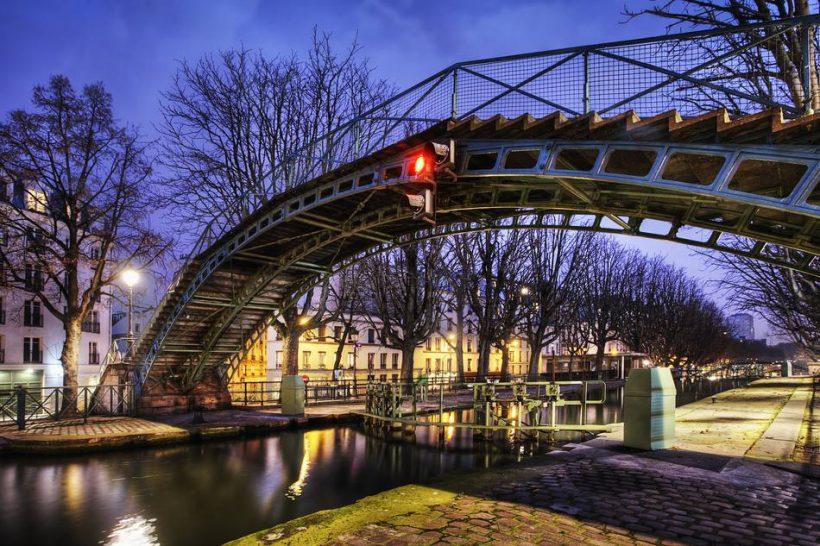 Canal Saint-Martin susedstve v Paríži