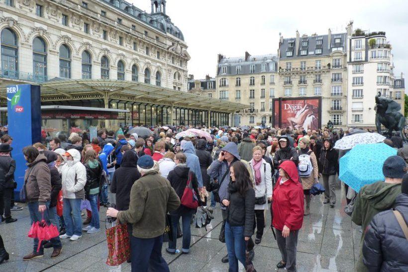 Wie zu vermeiden, Taschendiebe in Paris - einige wichtige Vorsichtsmaßnahmen zu ergreifen,