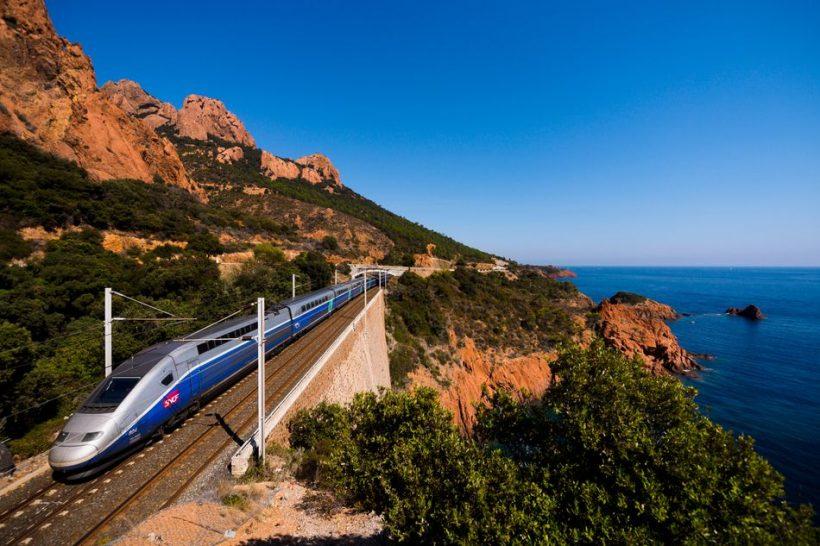 Hoe om te reizen rond Frankrijk met de trein