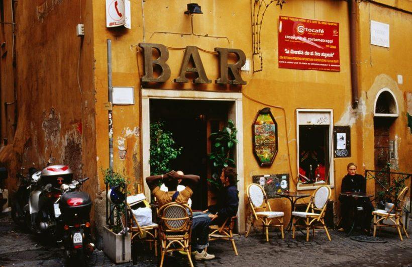 Какво да очаквате, когато отидете на бар в Италия