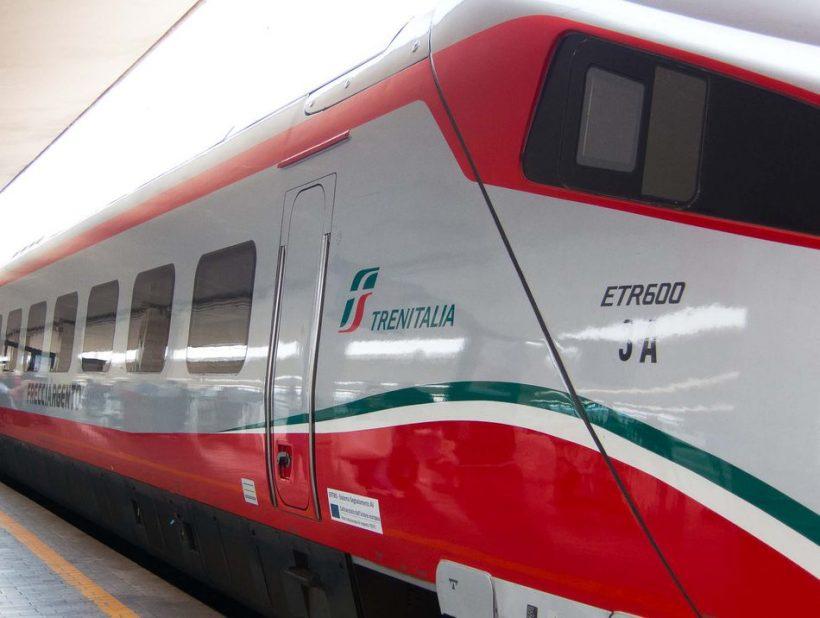Como posso comprar bilhetes para trens italianos antes de ir para a Itália?