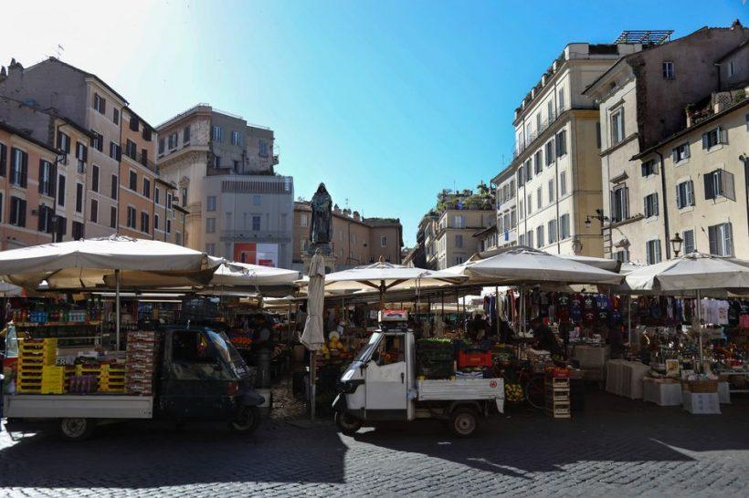 Campo dei Fiori Market a nočný život v Ríme