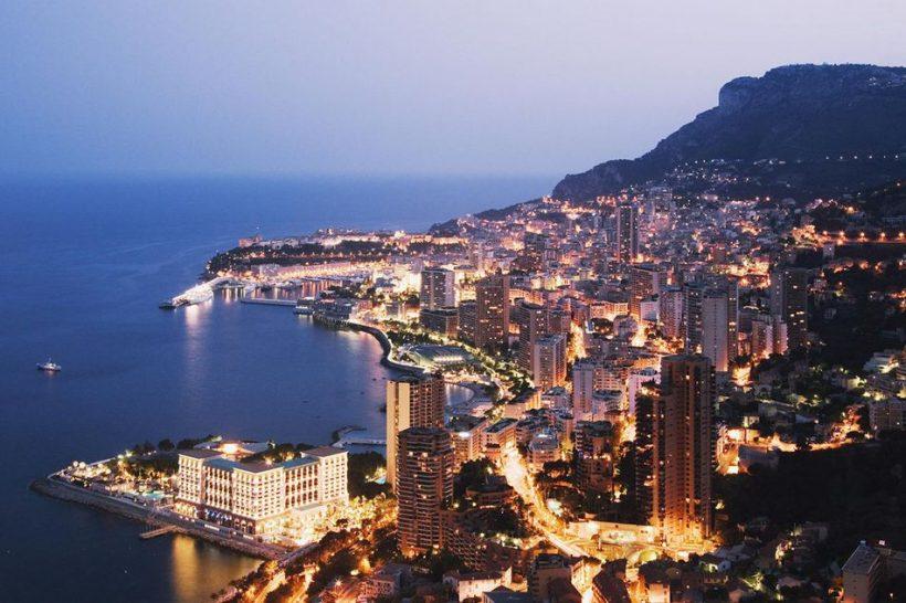 Monte Carlo, Monaco: Méditerranée Port d'escale sur la Côte d'Azur