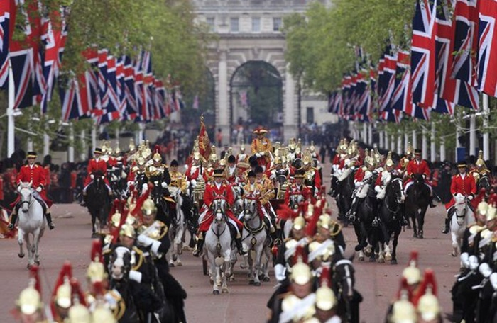 Jūnijā Londonā: Laika, Ko Pack, un ko redzēt