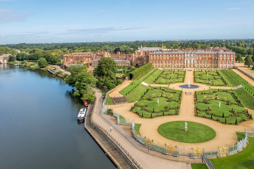 Een Visitor Guide to Hampton Court Palace in Londen