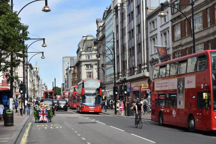 London do Oxfordu vlakom, autobusom a autom