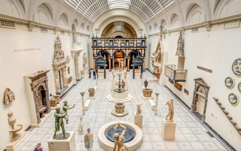 Лондон музея Виктория и Албърт - най-големият музей за декоративни изкуства и дизайн в света