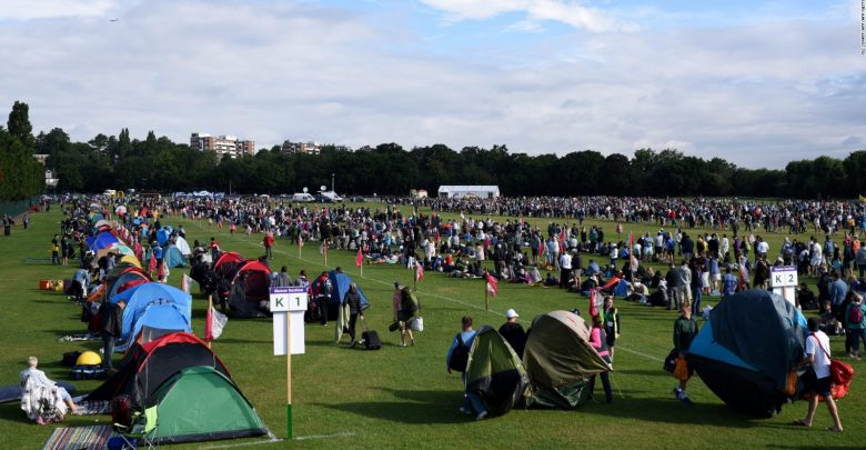 Camping voor Wimbledon – How to Get Last Minute Tickets