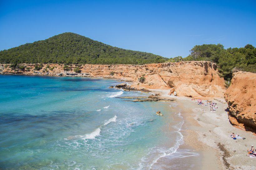 Best nudists pludmales Baleāru salās