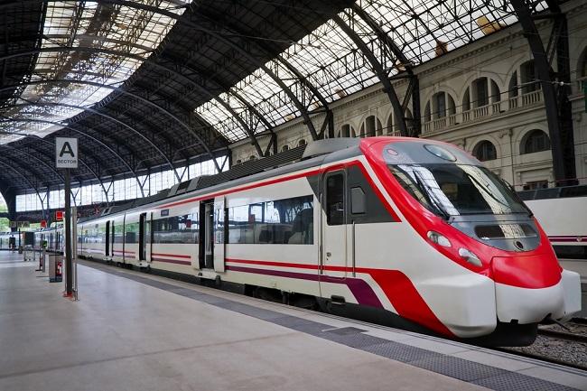 Opas käyttää linja-junamatka Espanjassa