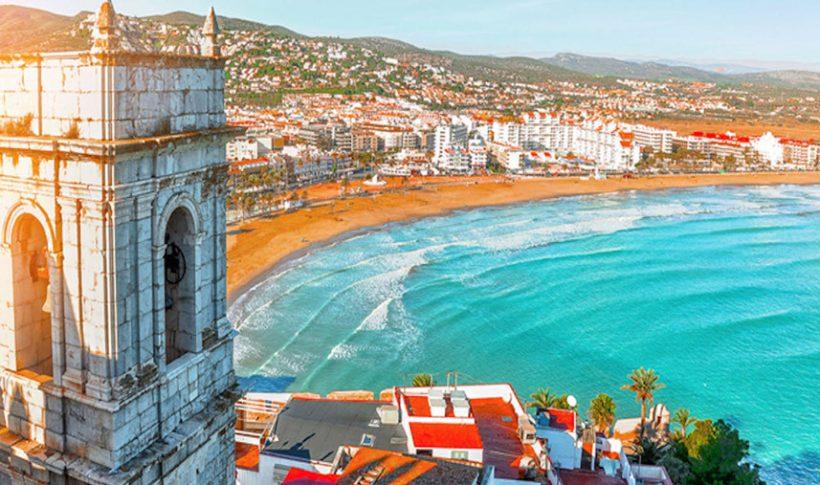 Agosto en España: El tiempo, qué llevar, y qué ver