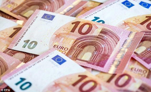 Как получить евро на поездку в Испанию