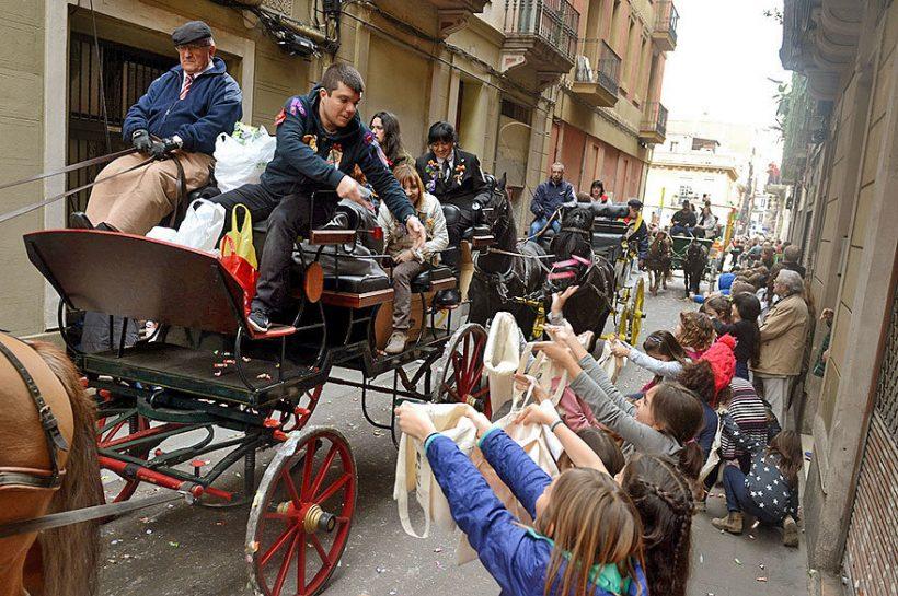 Maaliskuussa Barcelonassa: Weather, nyt ja silloin, ja mitä nähdä - Sant Medir Festivaalit