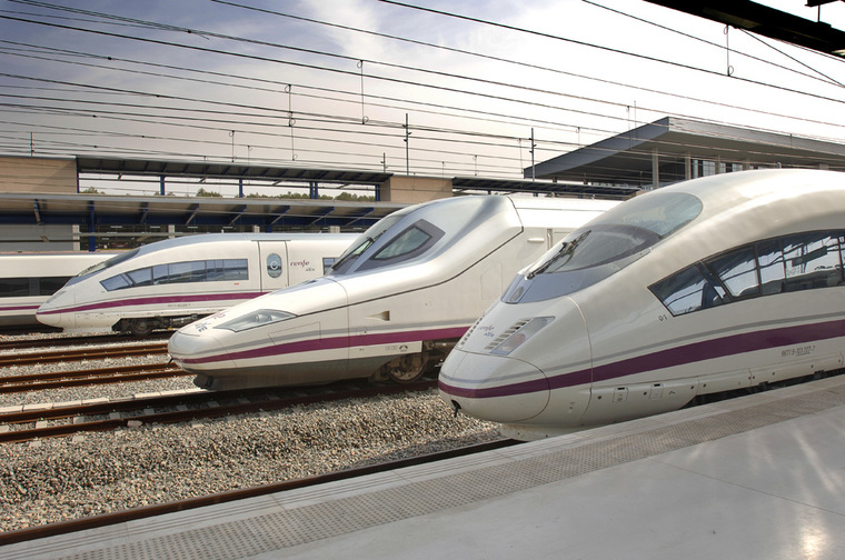 AVE rongid Hispaania: High-Speed ​​Rail Routes