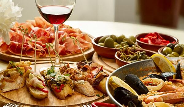 10 alimente pe care trebuie să încerci din Barcelona