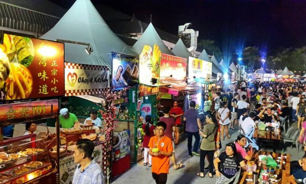 Kaj in kje jesti v Kuching, Malezija