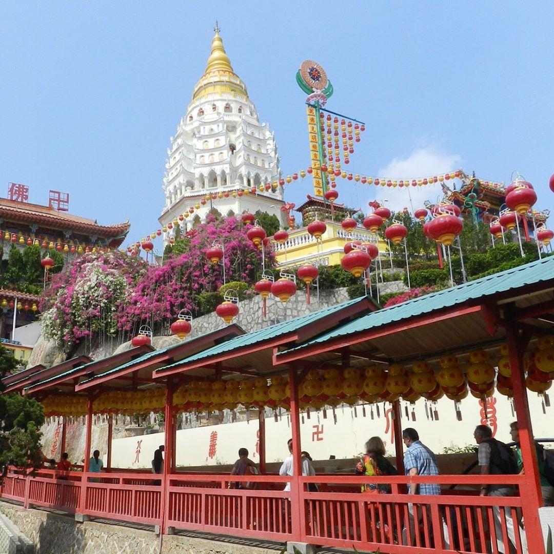 Največji tempelj na obisku Malezije Budistični tempelj Kek Lok Si v Penang
